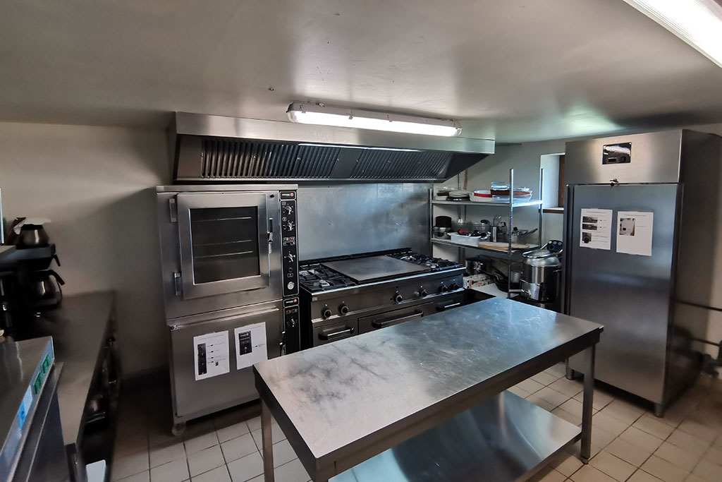 cuisine equipee salle reception cantal