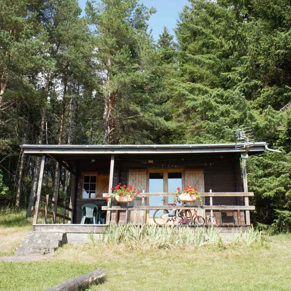 chalet bord de lac cantal puy sancy